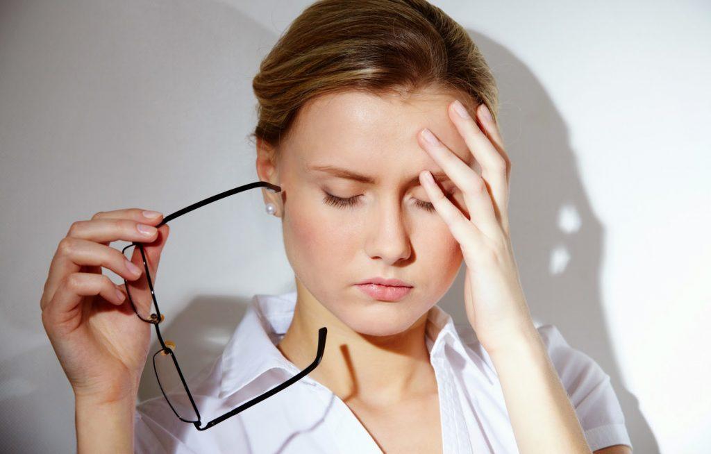 bị đau nửa đầu trái có nguy hiểm không